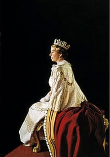 FRAMED - Fine Art Reproduction of HM The Queen by Royal Portrait Painter Richard Stone - D3/RS