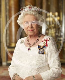 Official image of HM The Queen in Canadian Orders - D1/CAN/JC