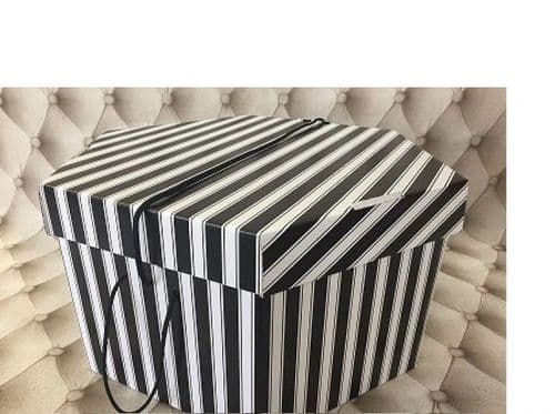 "Black & White  Hat Box 11"" x 8""  279mm x 203mm"