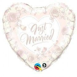 """JUST MARRIED ROSES 18"""" PKT"""