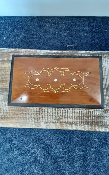 Teak box with 3 dot mother of pearl inlay