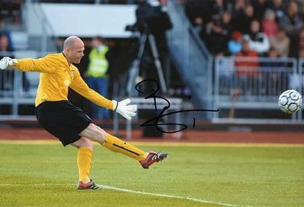 Brad Friedel, Aston Villa & United States, signed 12x8 inch photo.