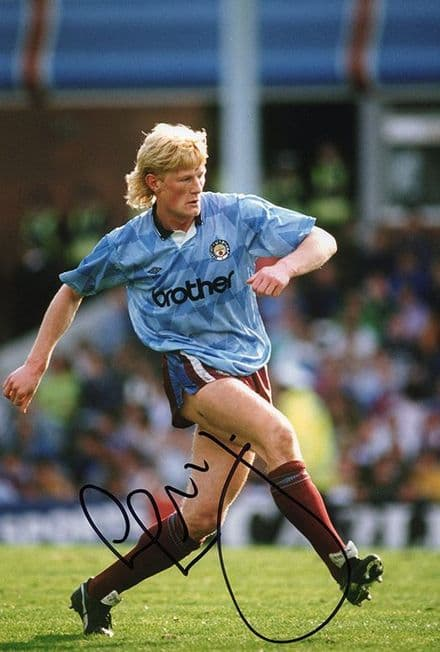 Colin Hendry, Manchester City, Scotland, signed 12x8 inch photo.