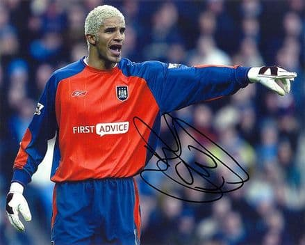 David James, Manchester City & England, signed 10x8 inch photo.
