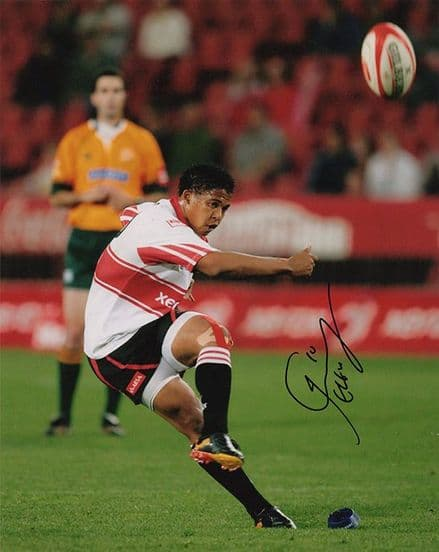 Elton Jantjies, South Africa, signed 10x8 inch photo.