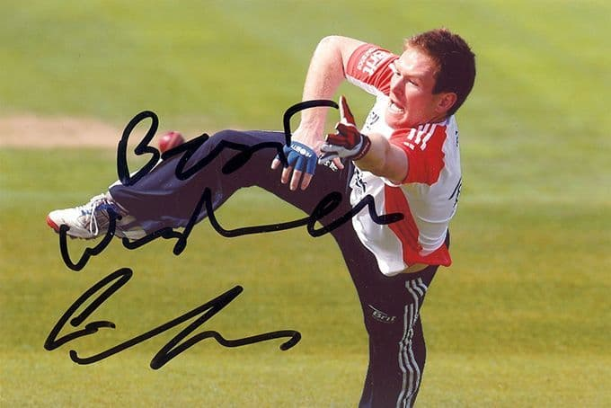 Eoin Morgan, Middlesex & England, signed 6x4 inch photo.