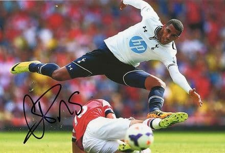 Etienne Capoue, Tottenham Hotspur & France, signed 12x8 inch photo.