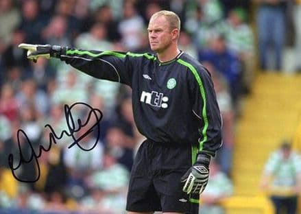 Jonathan Gould, Glasgow Celtic, signed 7x5 inch photo.