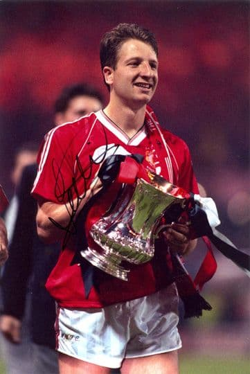 Lee Martin, Manchester Utd, signed 12x8 inch photo.