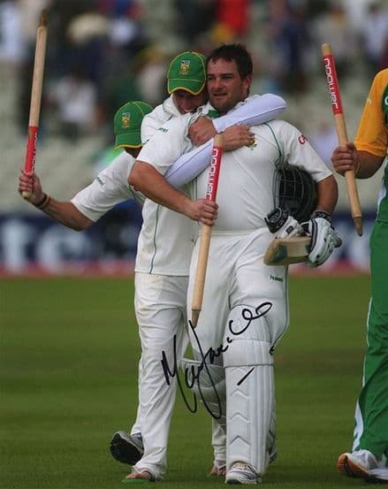 Mark Boucher, South Africa, signed 10x8 inch photo.