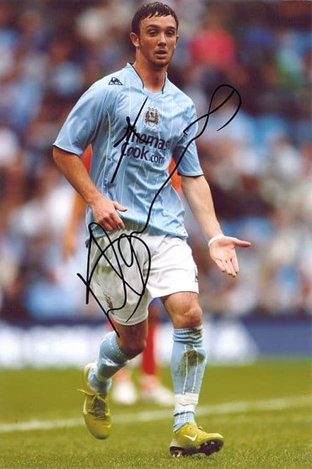 Stephen Ireland, Manchester City, Republic of Ireland, signed 12x8 inch photo.
