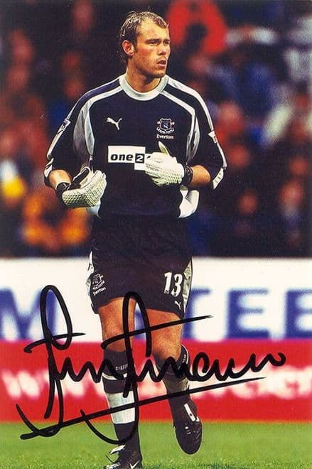 Steve Simonsen, Everton, signed 6x4 inch photo.