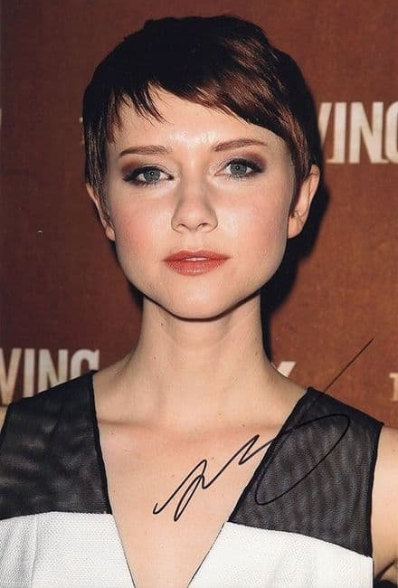 Valorie Curry, American actress, signed 12x8 inch photo.
