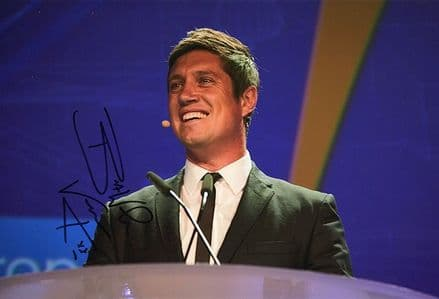 Vernon Kay, television presenter, signed 12x8 inch photo.