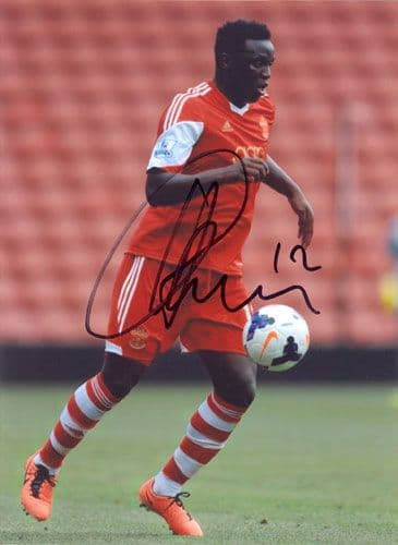 Victor Wanyama, Southampton, signed 7x5 inch photo.