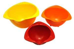 Children's Baking Mixing Bowls. Set of 3. Brilliant for those little helping hands. S7361
